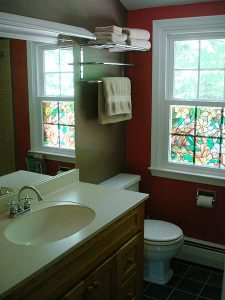 Red_bathroom